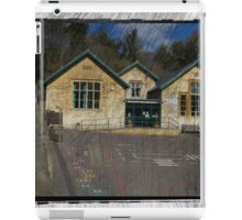 Christchurch School, Chalford, Stroud, Gloucestershire iPad Case/Skin