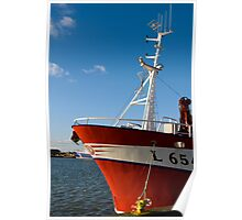 Red trawler Poster