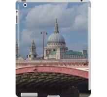 St Pauls Cathedral over Blackfriars Bridge - London iPad Case/Skin