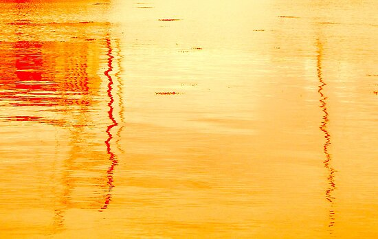 Reflections in Sunset by oulgundog