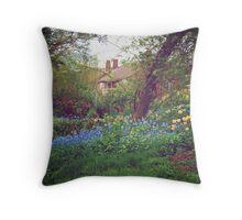 English Garden! Throw Pillow