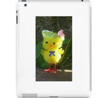 Chick with Bonnet iPad Case/Skin