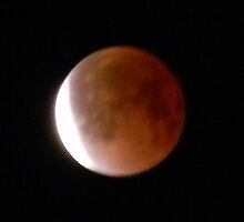 Red, White...MOON! by Navigator