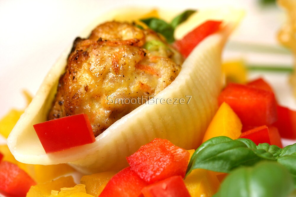 Conchiglie with Pepper Cream and Pepper Tricolore by SmoothBreeze7