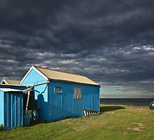 Blue shed and boat by Hans Kawitzki