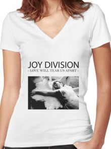 Joy D Women's Fitted V-Neck T-Shirt