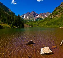 The Maroon Bells Valley by Roschetzky