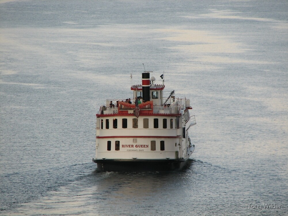 River Queen - Cincinnati Paddleboat by Tony Wilder