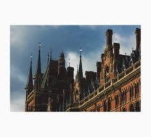London's Eurostar Train Station St. Pancras International - a Remarkable Victorian Gothic Revival Building Kids Clothes