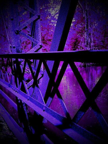 Purple, dark, and creepy.. by jammingene