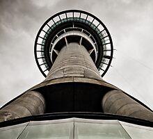 Skytower, Auckland. by Michael Schön