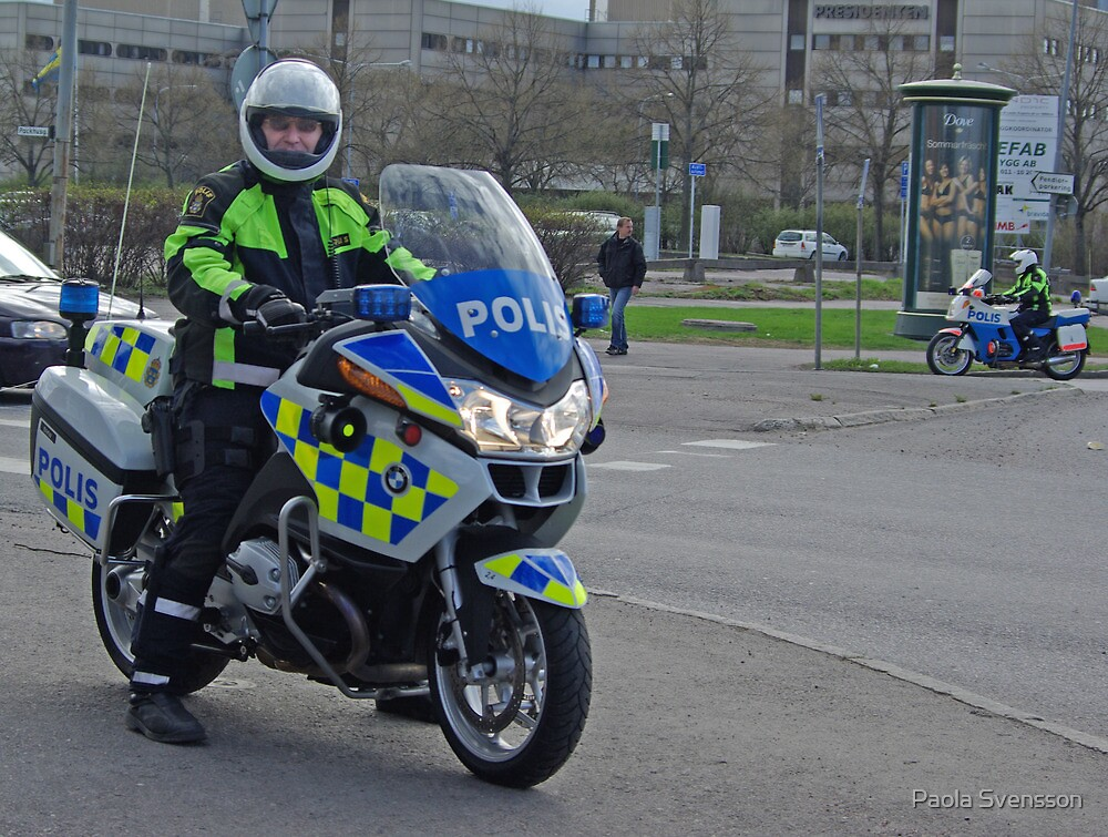 Swedish police and his bike by Paola Svensson