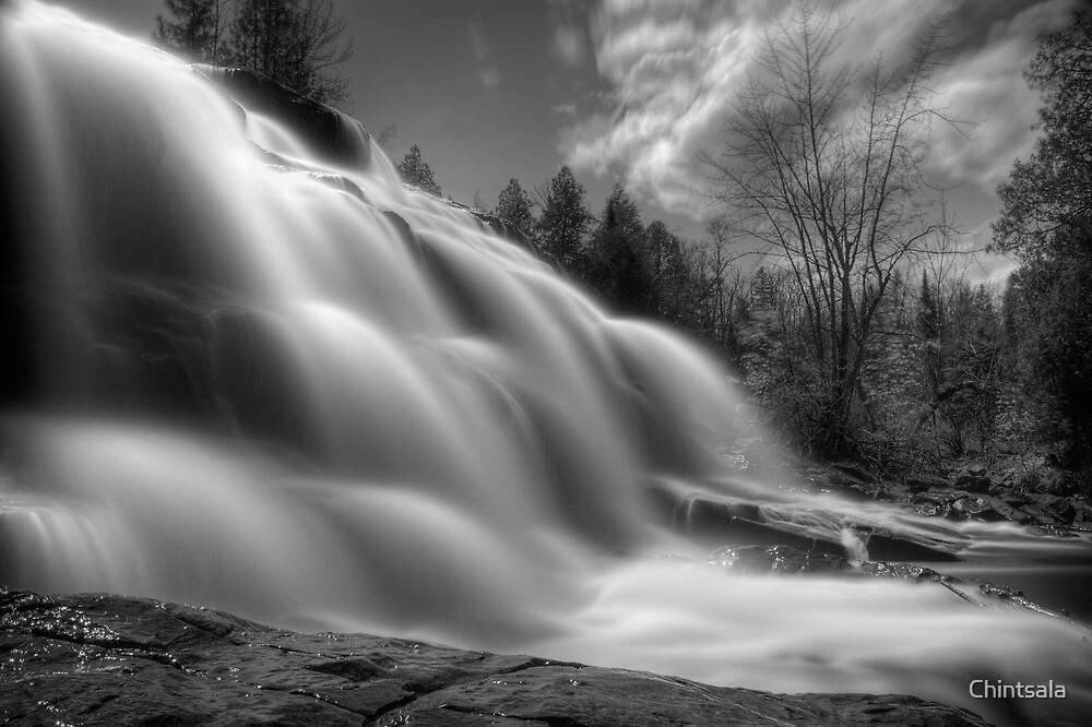 BW Falls by Chintsala