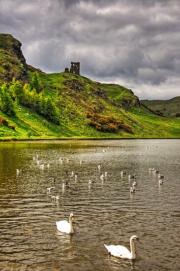 St Margaret's Loch by Tom Gomez