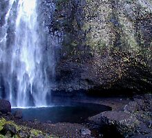 Columbia River Gorge - Latourell Falls Splash Pool by Cupertino