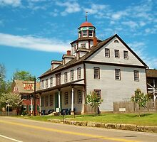 Photo of the Zoar Hotel in Ohio by Tim White