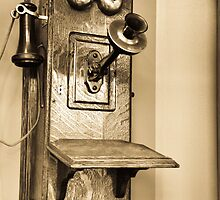 Old-Time Telephone by mltrue