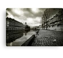 Paris, Quais de la Seine Canvas Print