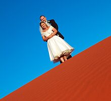 red desert wedding Ayers Rock by idphotography
