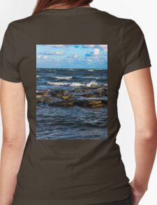 Smashing waves Womens Fitted T-Shirt
