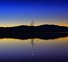 Lake Hume at dusk by John Vandeven