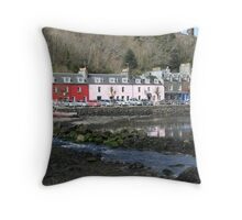 Tobermory harbour Throw Pillow