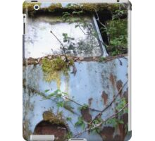 Rusty old car iPad Case/Skin