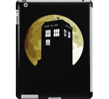 The Bad Wolf howling to the moon iPad Case/Skin