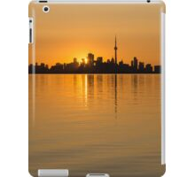 Brilliant Golden Yellow Toronto Skyline iPad Case/Skin