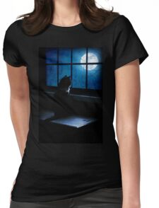 Black Minnaloushe watches the Moon Womens Fitted T-Shirt