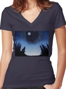 Wolf Moon Women's Fitted V-Neck T-Shirt