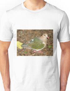 Dove, Australia Zoo, Beerwah, Queensland. Unisex T-Shirt