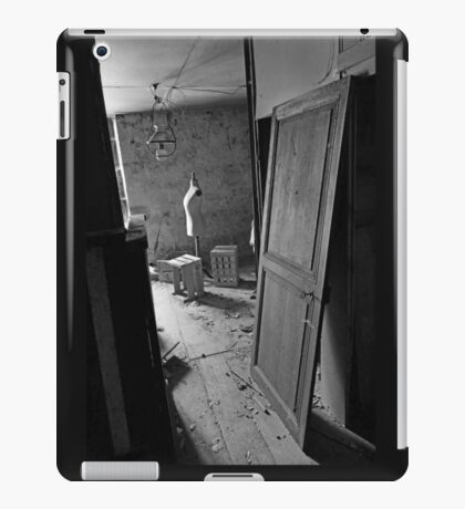 A closed past the remains of a memory of a happy time ! Seamstress ... 2 black & white(t) by Olao-Olavia / Okaio Créations  by fz 1000  2015 iPad Case/Skin