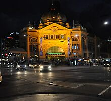 Flinders Street Station, Melbourne by sharathjeppu