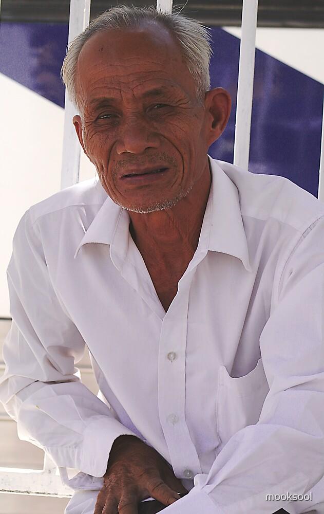 Old man Da Lat by mooksool