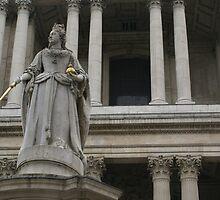 detail monument of Queen Anne, St Paul's II by BronReid