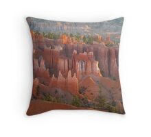 Bryce Canyon look Throw Pillow