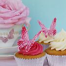 Cupcakes by adellecousins