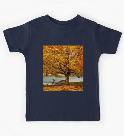 Golden maple warm me up  Kids Tee