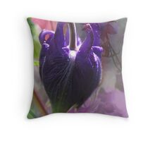 L'heure bleue Throw Pillow