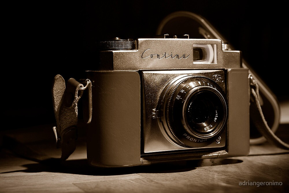 Zeiss Ikon Contina 1c  by adriangeronimo