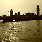 The Essence of London by Breno Loester Cogo