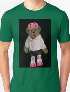 """。◕‿◕。 """"WHAT"""" YOU DIDN'T KNOW TEDDY BEARS CAN ROLLER SKATE WELL YOUR LOOKIN AT ONE!!..PILLOWS,TOTE BAG,PICTURE,BOOKS,CARDS,。◕‿◕。  T-Shirt"""
