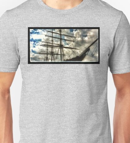 Cutty Sark 'ghosts' Unisex T-Shirt