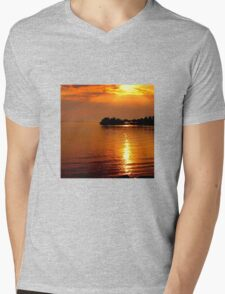 beautiful natural summer sunset Mens V-Neck T-Shirt
