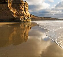 Tide Stopper,Anglesea,Great Ocean Road. by Darryl Fowler