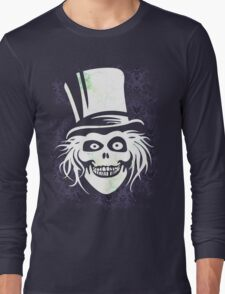 HATBOX GHOST WITH GRUNGY HAUNTED MANSION WALLPAPER Long Sleeve T-Shirt