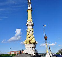 Queen's Bridge - Belfast by Shubd