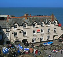 Red Lion, Clovelly by RedHillDigital