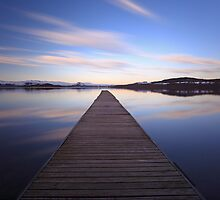 The Cruin jetty  by Grant Glendinning